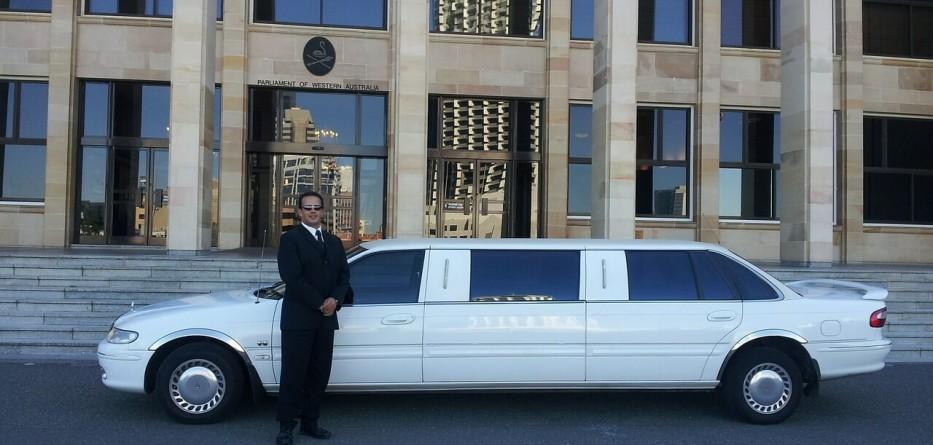 limousine-601462_1280 (1)