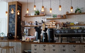 coffee-shop-1209863_640