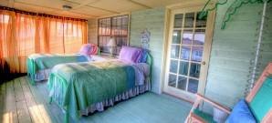 bedroom-349699_1280 (1)