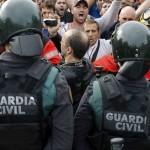 Guardias-Instituto-Vilumara-LHospitalet-Llobregat_1130896914_11408226_1020x574 (1)