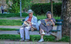 grandparents-2807673_640