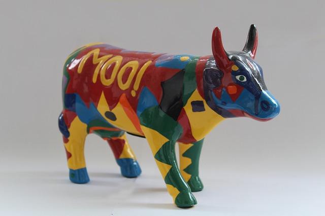 cow-2450848_640